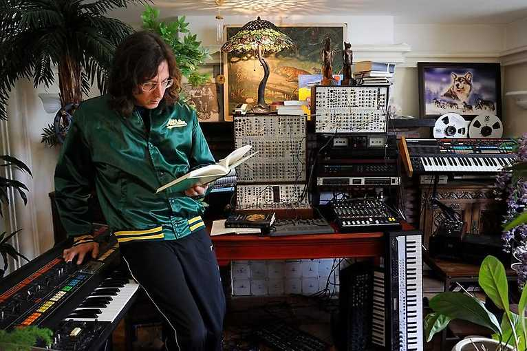 LIES 10 Yrs: Legowelt + Ron Morelli + more