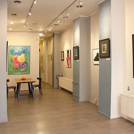 Latin Art Gallery