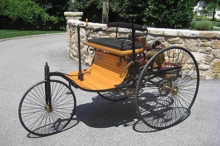 Replika prvního vozu na světě