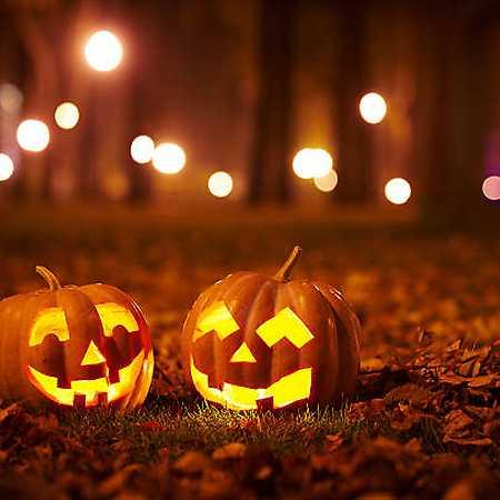 Halloweenský karneval