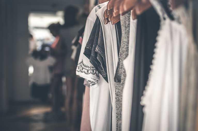 Bazar oblečení alias oblíbená hadrárna