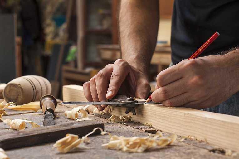 Měsíční kurz základů práce se dřevem