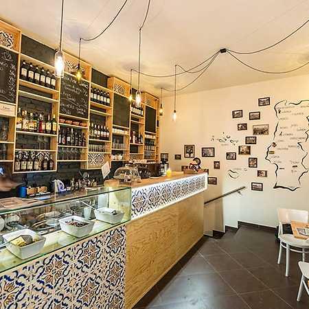 Oliveira Wine Tapas Market