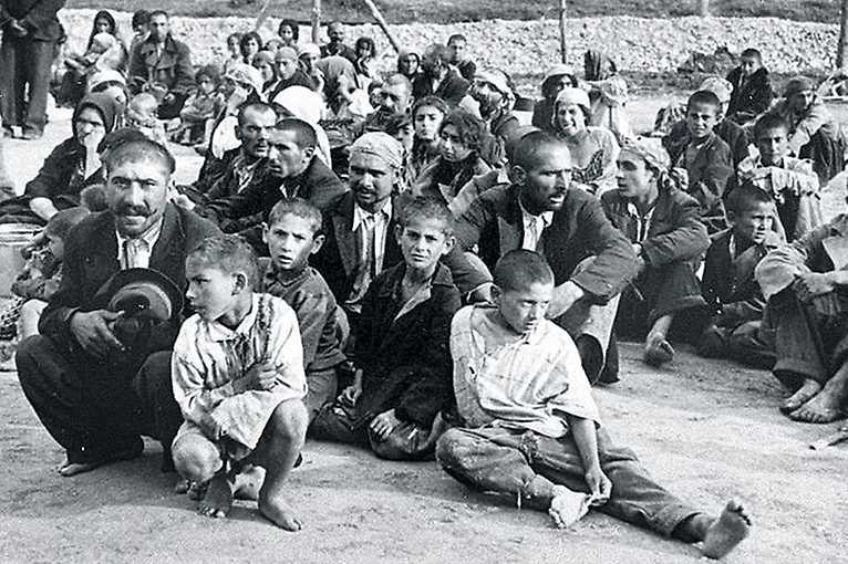 Vernisáž výstavy Paměť Romů očima dětí