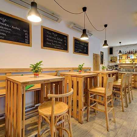 Café bar Lampičky
