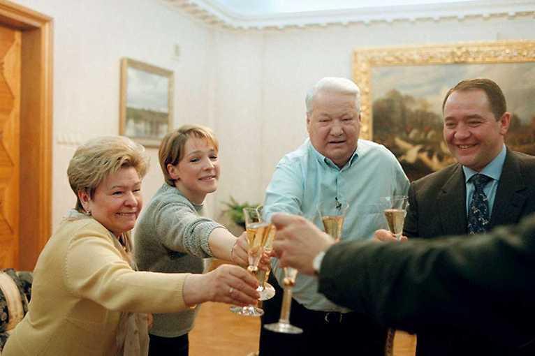 Svědkové Putinovi  + host