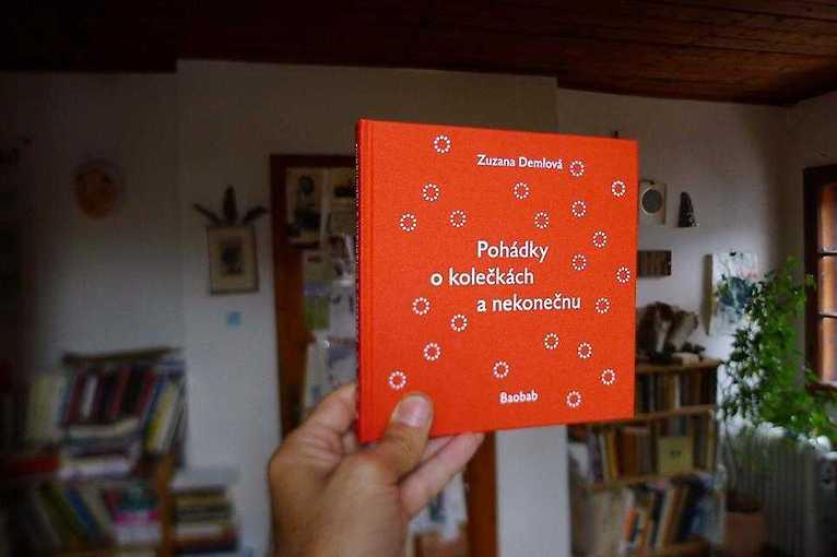Zuzana Demlová: O kolečkách a nekonečnu