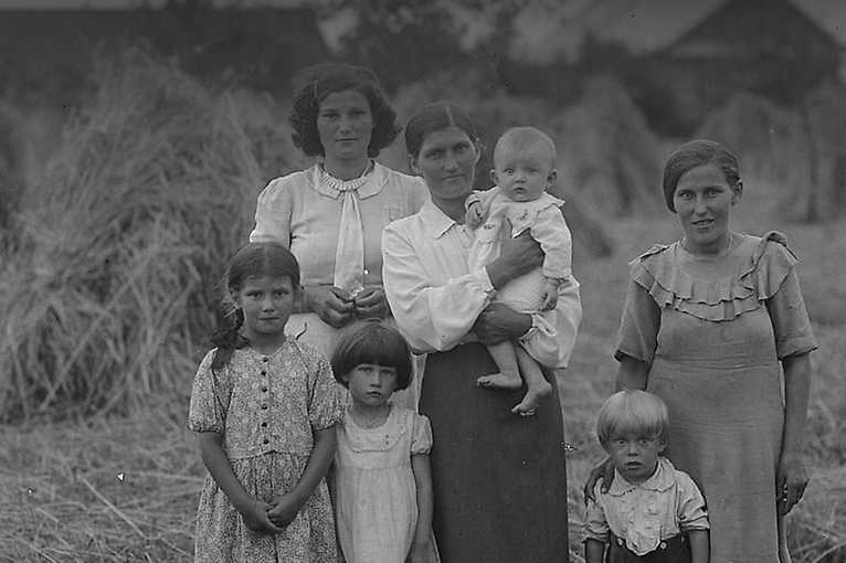 The Folk History of Poland: Servants for everything