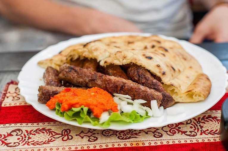 Balkánská večeře