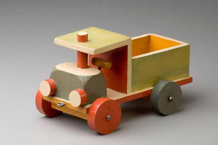 Komentovaná prohlídka výstavy Loutky a hračky