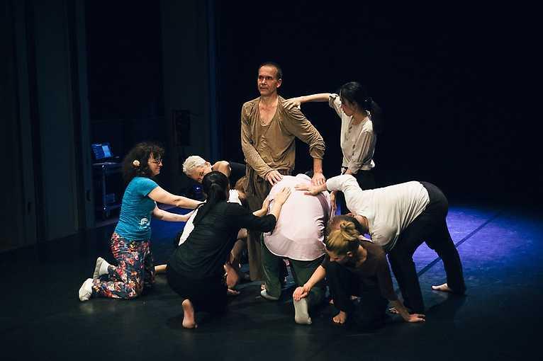 Fyzické a taneční divadlo pro všechny věkové kategorie I