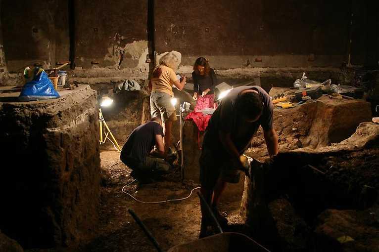 Hovory o Praze: Raně gotické opevnění na Malé Straně