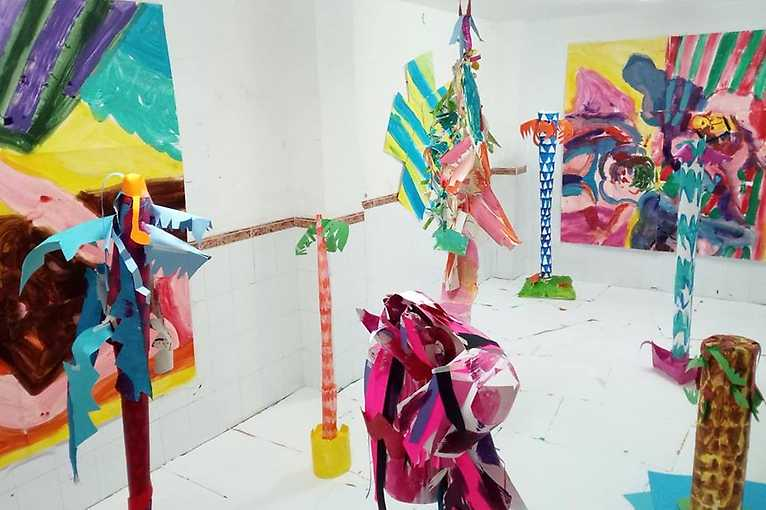 Exhibition Opening: 370 dní slunečno