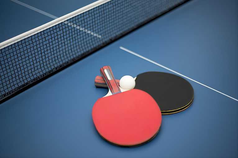 Pong Club: Sonne, Mond & Mango