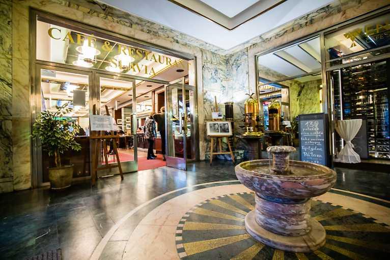 Pražské kavárny aneb Jedna z radostí městského života