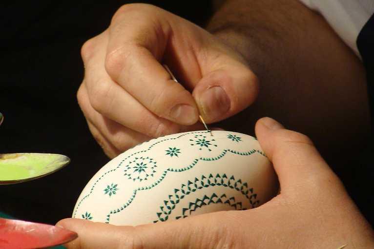 Malování a zdobení kraslic