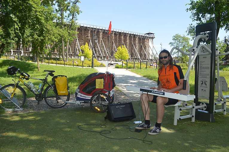 Świat i okolice: Pianomatyk Bike Tour