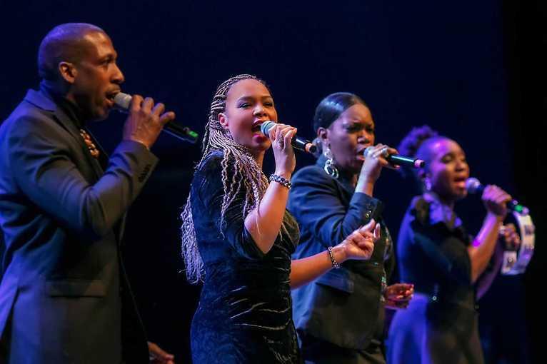 Adventní gospely 2019: Stella Jones & The Christmas Singers