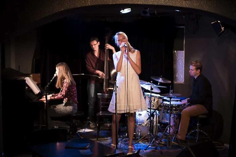 Veronika & The Band