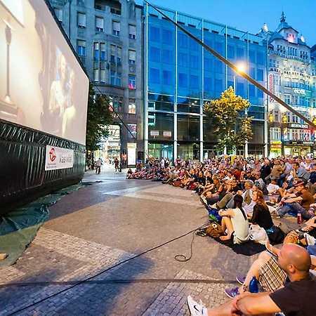 Letné kino v Líščom údolí