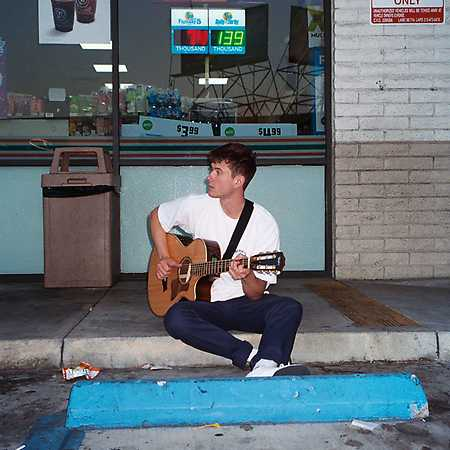 Alec Benjamin + support: Boy In Space