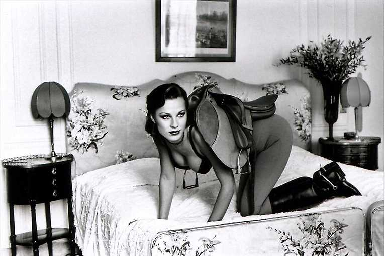 Helmut Newton in Dialogue. Fashions and Fictions.
