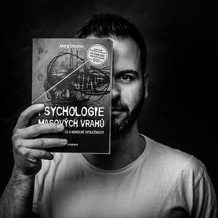 Andrej Drbohlav: Psychologie masových vrahů – přesunuto na neznámý termín