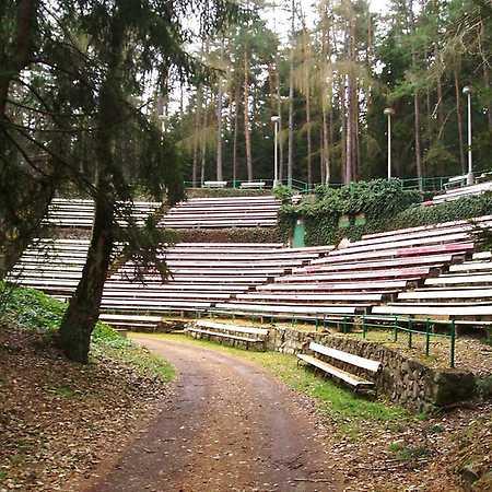 Hrádek – Areál lesního divadla