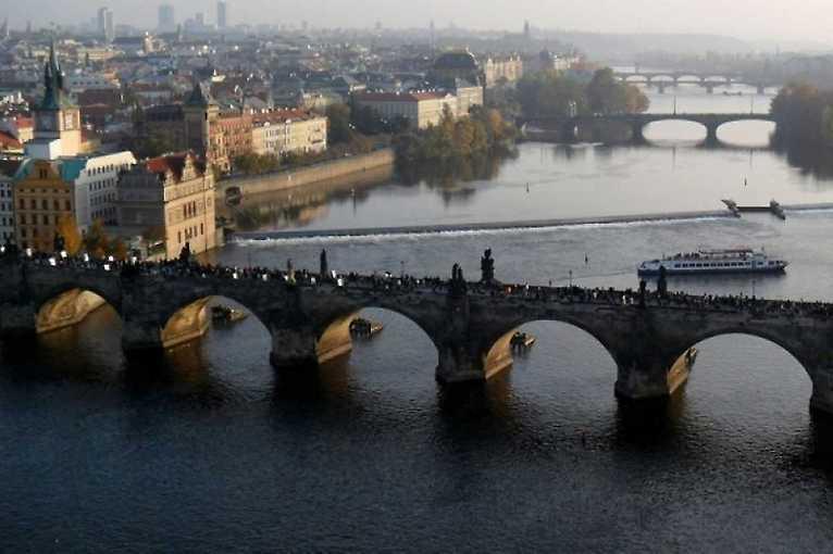 Příběhy soch: Karlův most