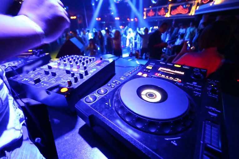 Technicolor: DJ Reduzida + Dänzel