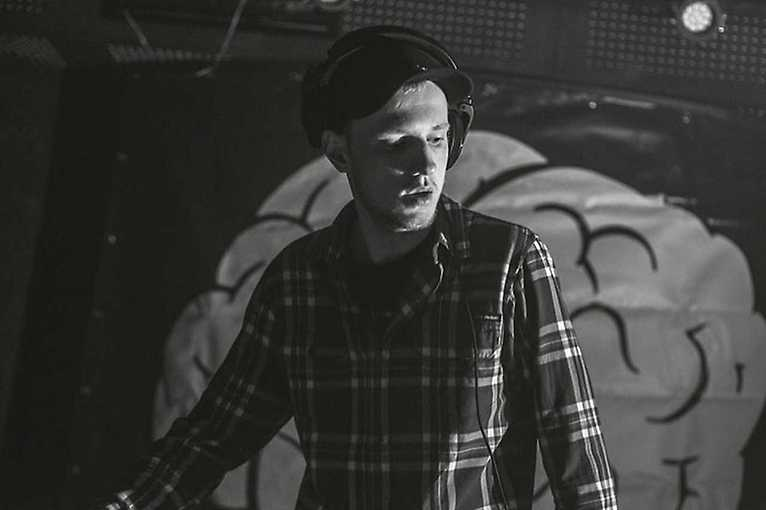 Particular.Minds DJs + Frank Lemon + další