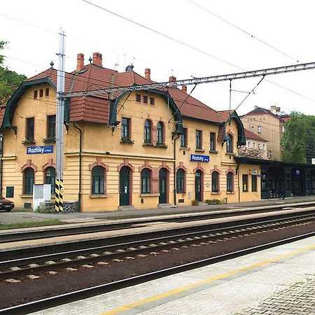 Vlakové nádraží Roztoky u Prahy