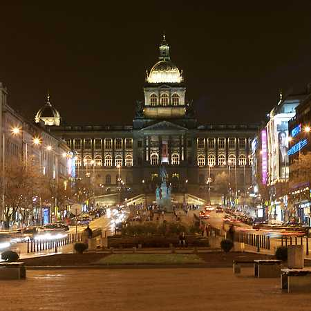 Prázdné domy v srdci Prahy