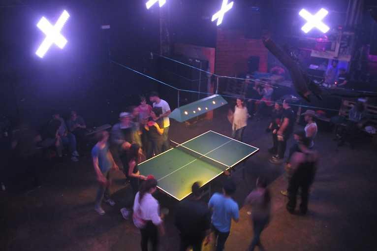 Pong Club: Valentino 45 + Schwipp Schwapp