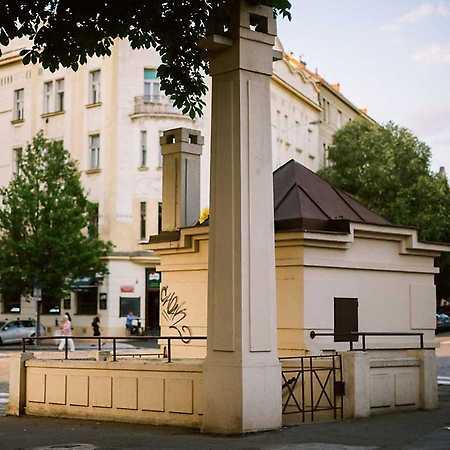 roh ulic Dejvická a Václavkova