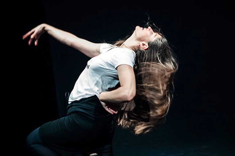 Movement at the Institute: Materiality and imagination of the body