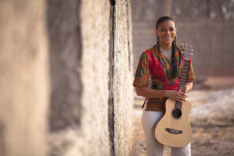 Sona Jobareth + Pat Thomas & The Kwashibu Area Band