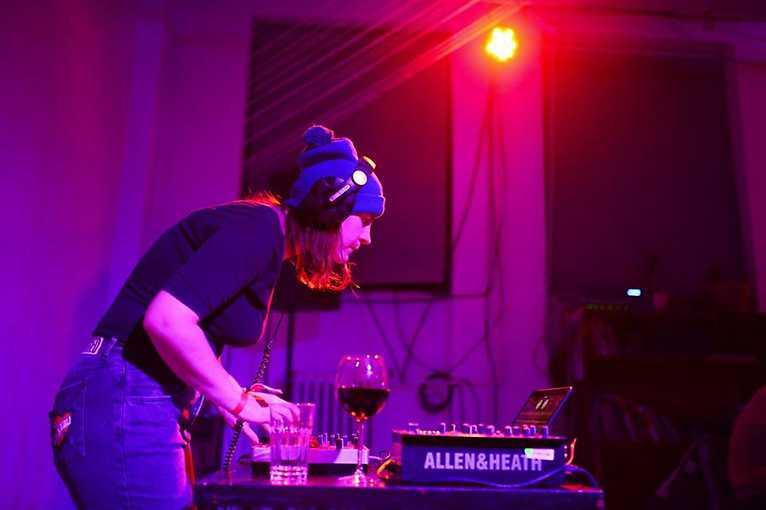 All Night Long: Bzgrl + Bassline Manager + Tea Tralna