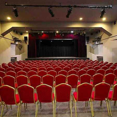 Divadlo Na Maninách