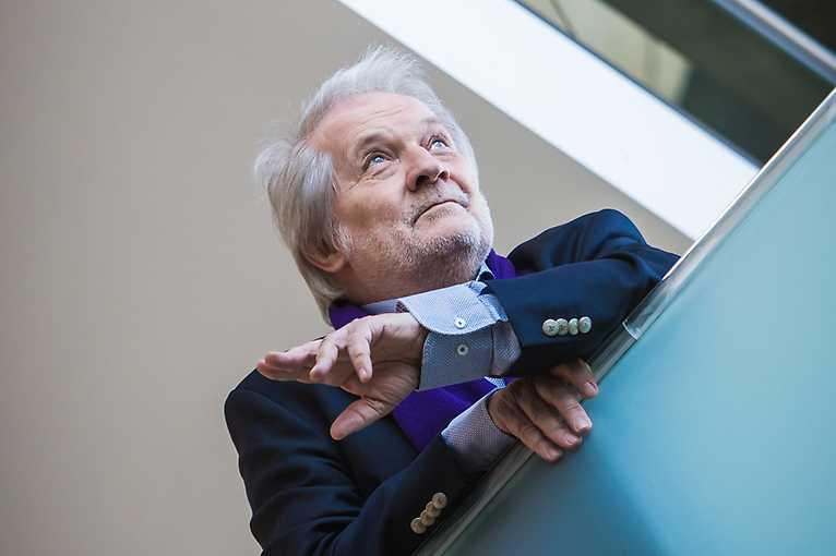 Uměnovědný biograf: Peter Eötvös