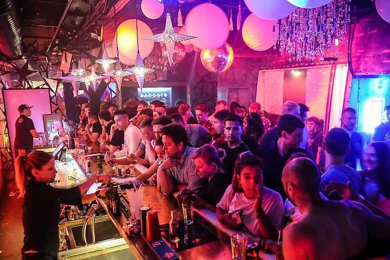 FX Bounce! From USA 2 Prague: DJ Australan + DJ Sean John