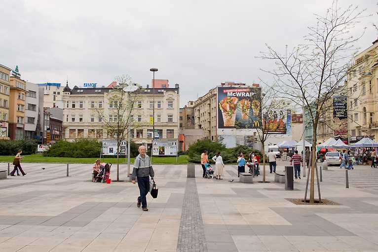 Komentovaná procházka vizuálním smogem Ostravy