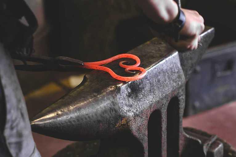 Dárkový poukaz – Kurz uměleckého kovářství