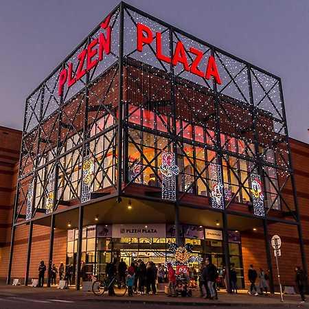 Pilsen Plaza