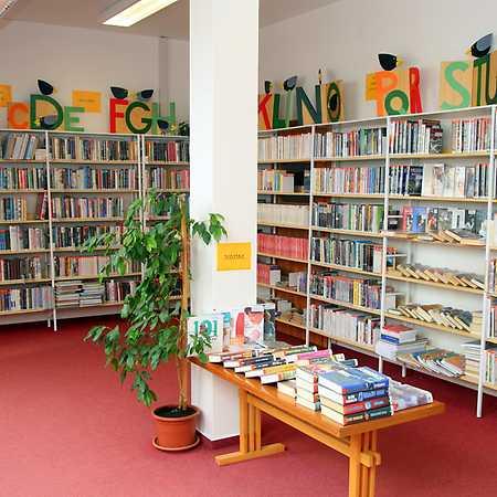 Knihovna Lhota