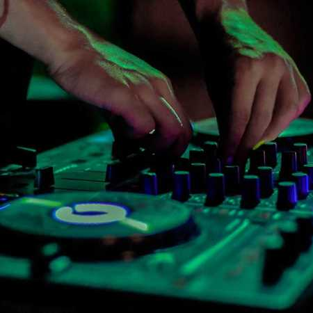 DJ Deee + DJ Panther 49