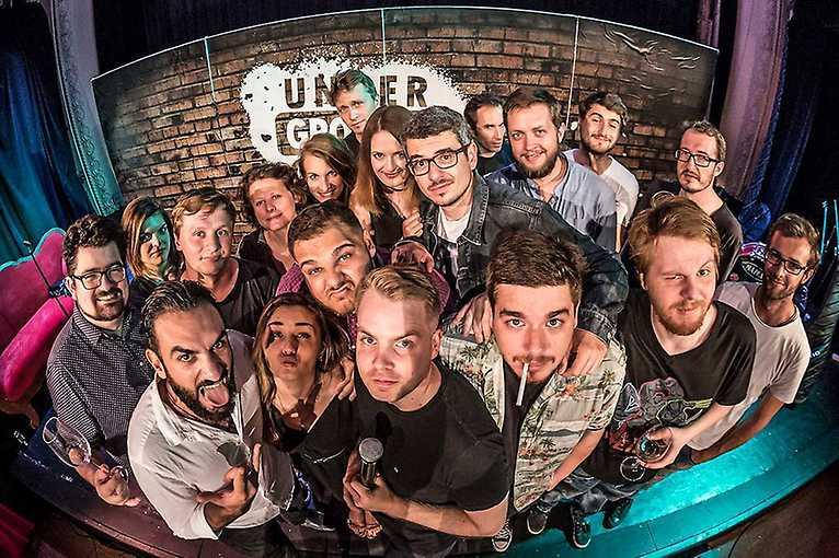 Stand-up show s Underground Comedy v Zahradě Savarin