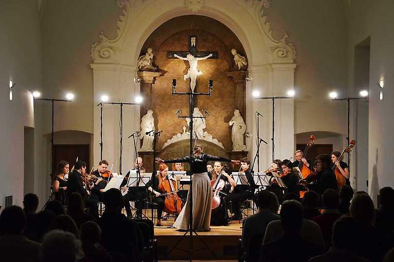 Ensemble Opera Diversa & Robert Ferrer