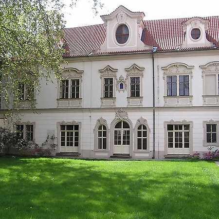 Velkopřevorský palác