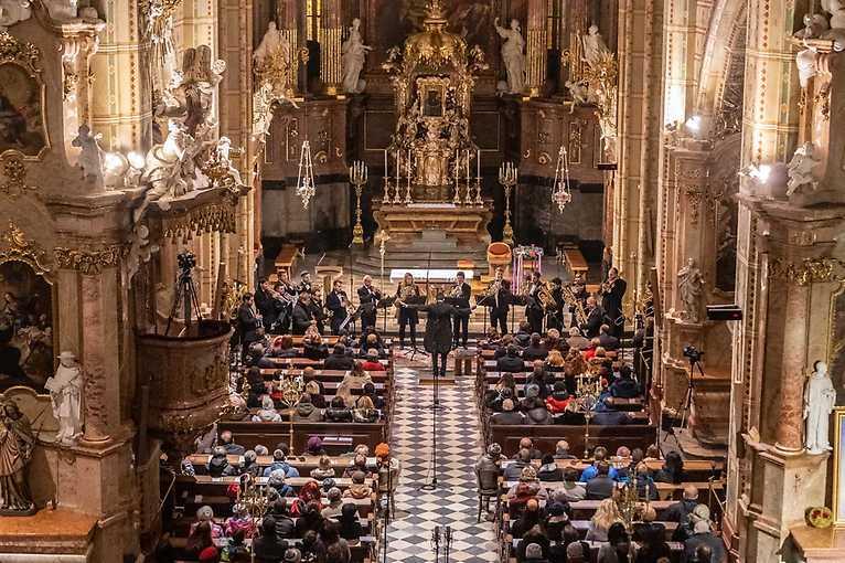 Žestě rozezní chrám: Moravia Brass Band